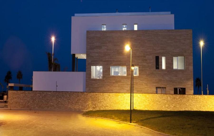 7 Bed Villa