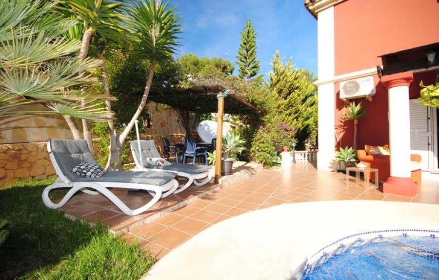 6 Bed Villa