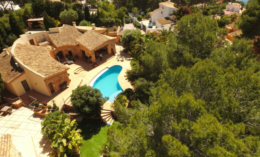 6 Bed Villa For Sale