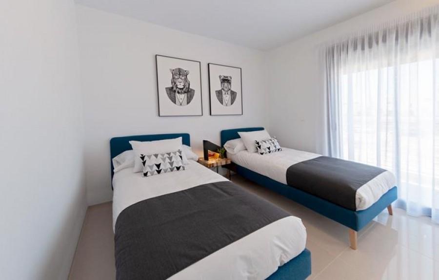 3 Slaapkamer Rijwoning Te Koop