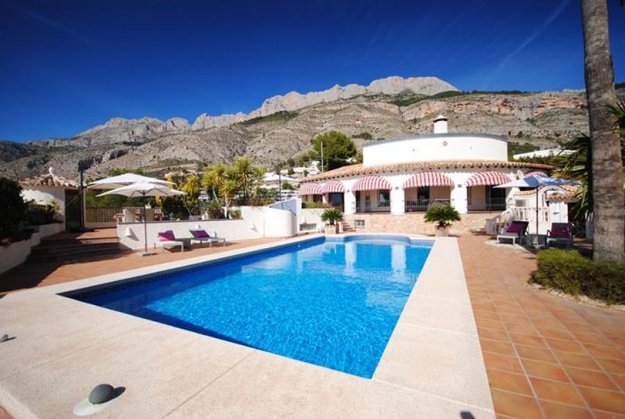 cbb7694643 6 Bed Villa for Sale in Costa Blanca North