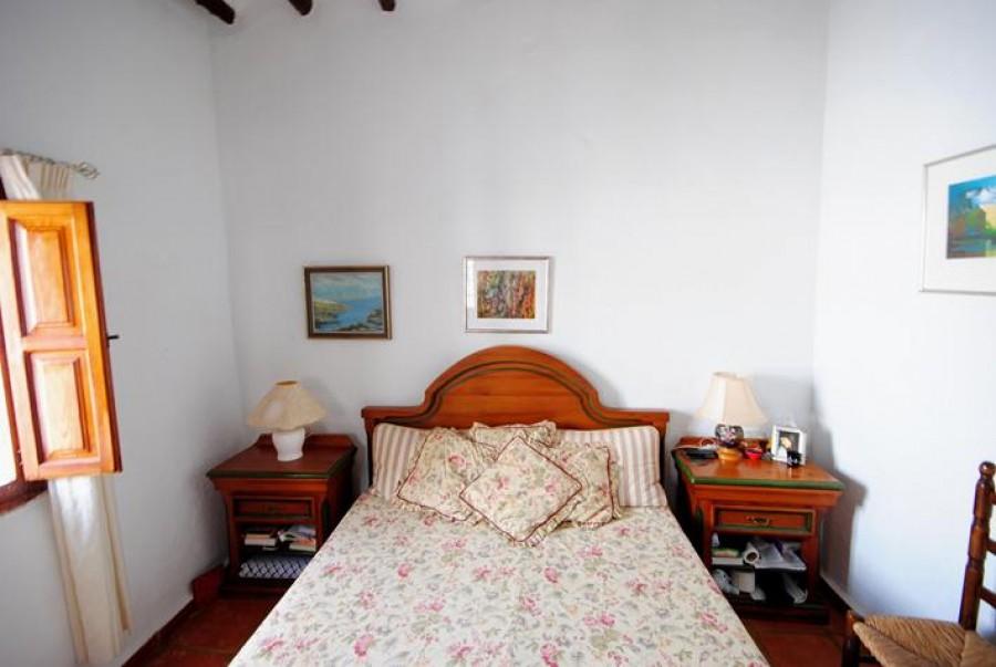 4 Makuuhuoneen Rivitaloja Myytävänä