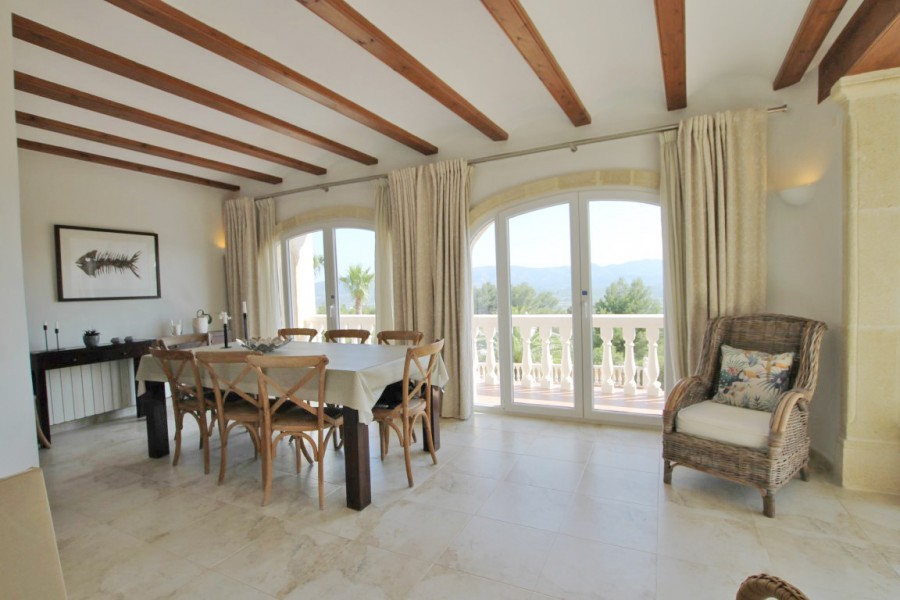 7 Bed Villa For Sale