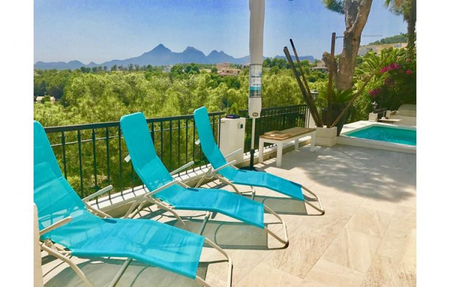 5 Bed Villa For Sale