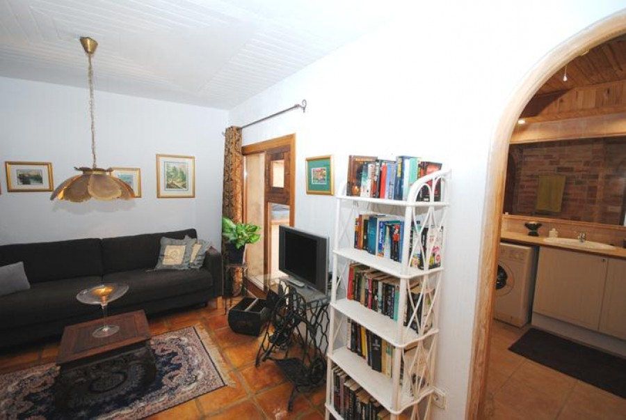 3 Bed Town House For Sale
