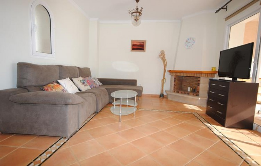 5 Bed Semi-detached For Sale