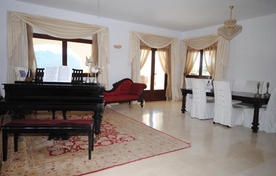 5 Slaapkamer Villa Te Koop