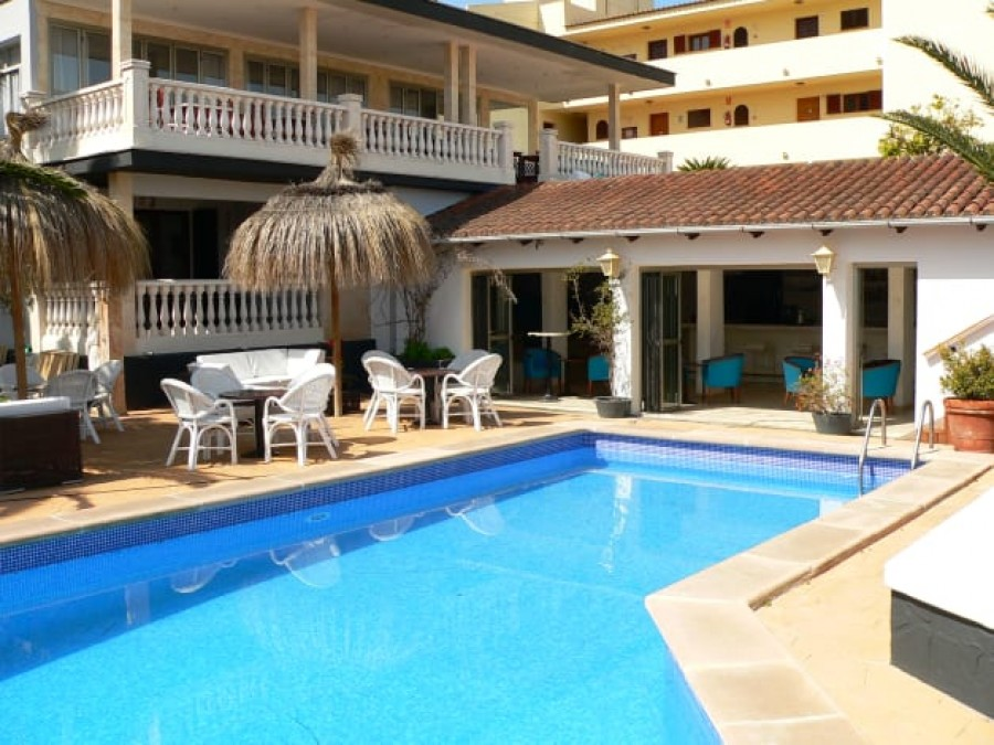 50 Bed Hotel For Sale