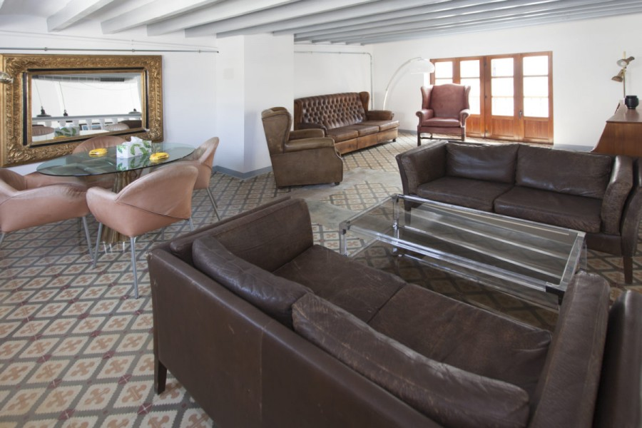 7 Bed Hotel For Sale